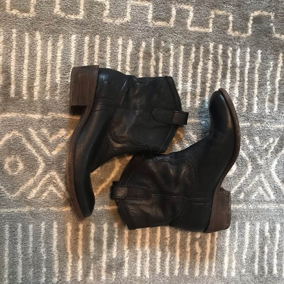 Frye Shoes - Frye Black Leather Boots Size 6.5